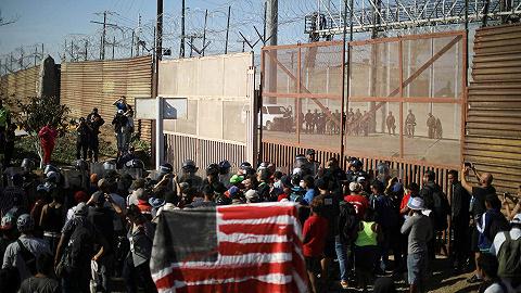 美最高法院批准国防资金建边境墙,特朗普发推:哇哦!重大胜利