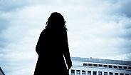 地方新闻精选| 徐州女教师自称遭不公正对待网络发绝?#24066;?河南警方回应村民搬空33吨井盖