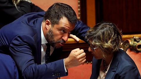 """意大利副总理又要""""离婚"""",执政联姻刚一年就走到了尽头"""