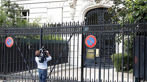 """""""性丑闻大亨""""牵连法国?法官员要求调查爱泼斯坦相关案件"""