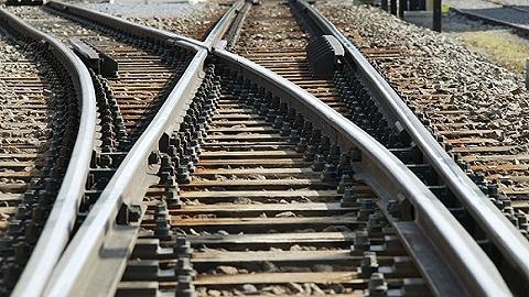 海南高铁检票员殴打老人致其死亡,被提起公诉