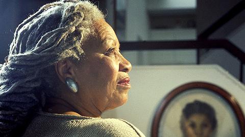 纪念托妮·莫里森:她的笑声是她对世界的复仇