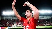 【体育晚报】亚足联官宣埃尔克森进入国足大名单 新疆男篮签约前勇士后卫