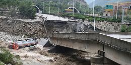 四川阿坝暴雨灾害造成7人遇难24人失联,数万名游客正在转移