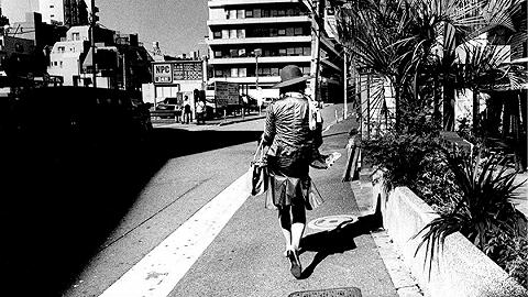 身体、信仰与自杀潮:影像新世代的日本现实与困境