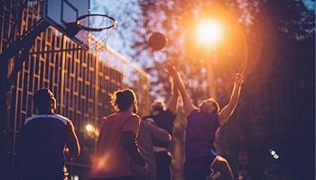 """哪座城市能撑起""""篮球梦""""?"""