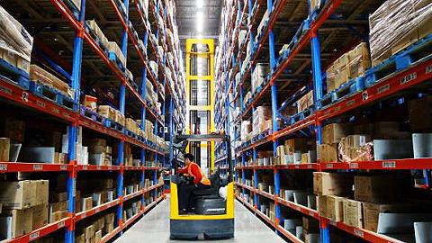 工业机器人公司正瞄准物流新市场 中国工博会