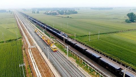 另一場能源革命,全球最長的重載鐵路開通