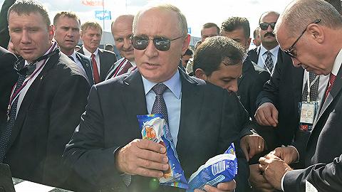 """普京最愛的甜品牌子要出口了,""""冰淇淋外交""""成果不菲"""
