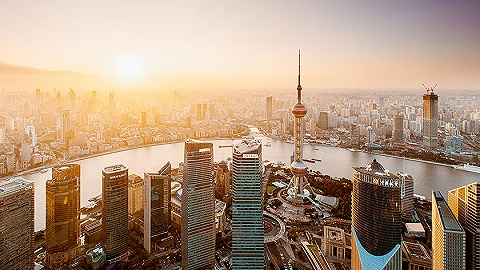 【可爱的中国·奋进的上海】光影交错,用70年为一座城市打卡