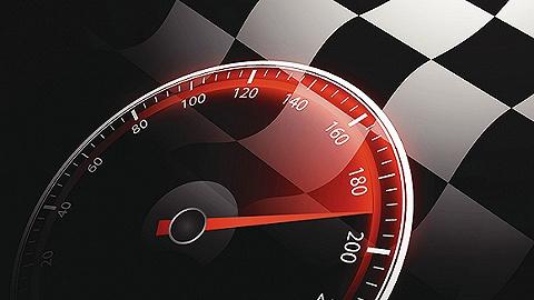 月度新车红黑榜   有把力气用错地方的宝骏RM-5,也有贵得有道理的电动跑车