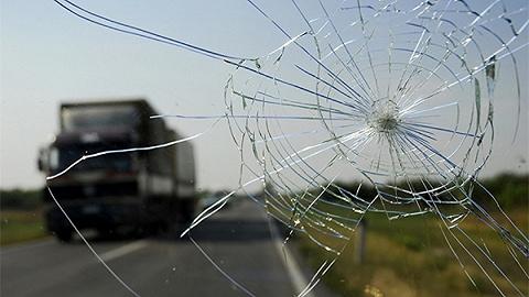 甘肅舟曲一扶貧干部下鄉返程時車輛墜河遇難,同車記者兩人死亡兩人失聯