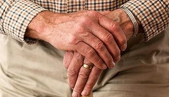 國內養老好還是國外養老好?