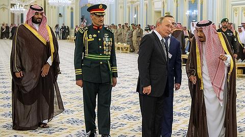 普京時隔12年再訪沙特,送老國王一只獵鷹后簽下百億美元大單