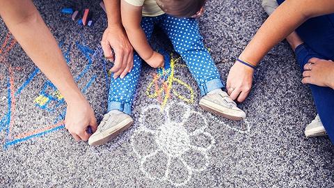 生了孩子没人带,鼓励托育产业能刺激生育吗?