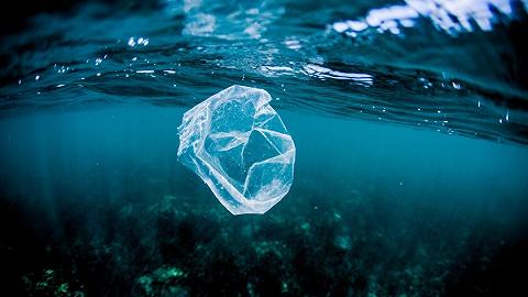 长江货船水污染调查:11艘船里有5艘没垃圾,有船舶将垃圾直接扔江里