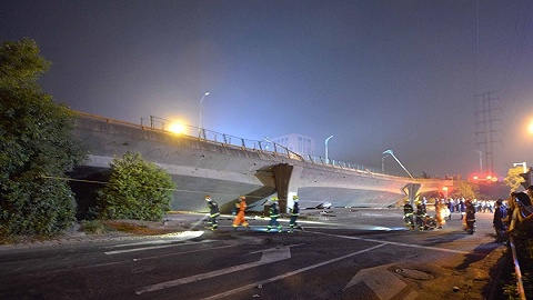 新华社调查无锡高架桥坍塌事故