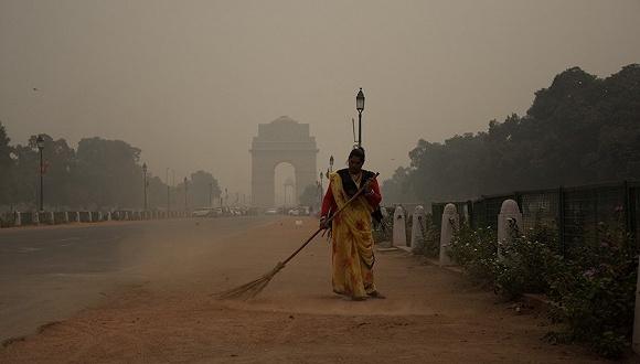 【天下头条】印度北部空气污染达难以忍受程度 麦当劳CEO因与员工发生关系被解雇图1
