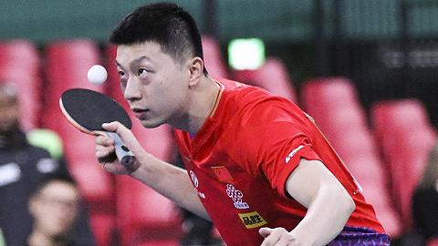 【体育晚报】乒乓球世界杯中国男乒率先晋级八强,日本爆冷输球制造冷门