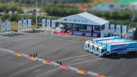 """全球首次""""5G+L4级智能驾驶重卡""""示范运营于沪启动"""