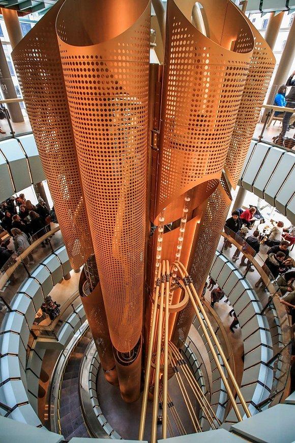 星巴克全球最大门店在芝加哥开业,也是配置最高的甄选烘焙工坊图2