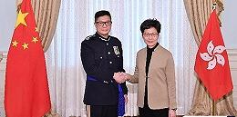 香港新任警务处处长:打击暴力,尽快恢复社会秩序