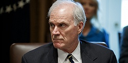 因为一位海豹突击队员,美国海军部长丢了饭碗