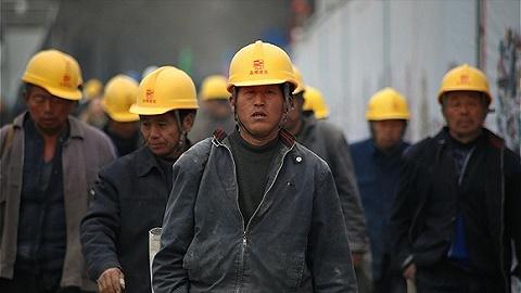 直通部委|两部门:尘肺病重点行业职工将全面纳入工伤险 统计局:6月来处理725名统计违纪违法人员