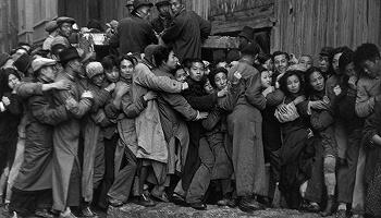 布列松鏡頭里的中國