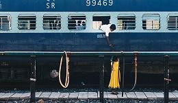 """印度人""""春运""""不再扒火车,这家公司立了大功"""