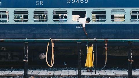 """印度人""""春運""""不再扒火車,這家公司立了大功"""