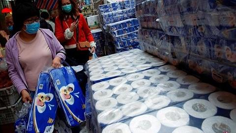 香港旺角發生搶劫案,3人持刀搶走600卷廁紙