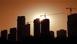 工人短缺、供应链卡壳,建筑工地复工难