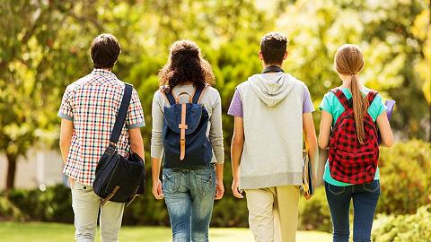 在美留学生要不要回国?是否开更多航班?驻美使馆回应