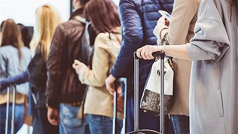 入境旅客全部实施核酸检测(国务院联防联控机制发布会)