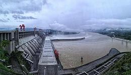 削峰三成,三峡水库有效拦蓄长江今年第1号洪水