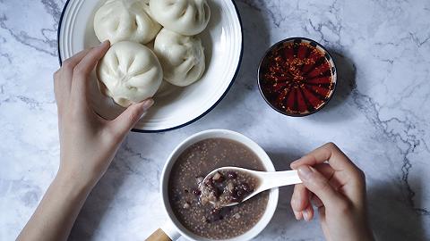 上海为第二批140家早餐示范点授牌,新增星巴克、清美等品牌