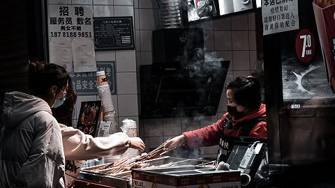 白領夜宵報告: 小吃和燒烤白領最愛, 深圳夜宵經濟最繁榮