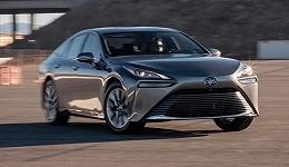 与LS同平台的丰田新款Mirai开起来怎么样?这里有它的最新评价 歪果仁老司机