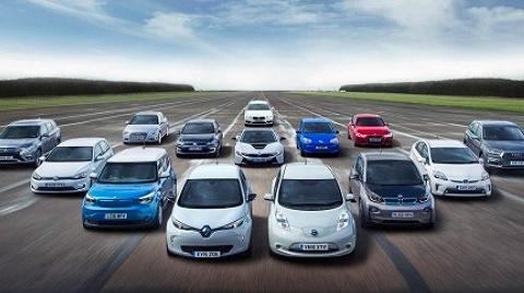 電動車車主不會再買燃油車?這份報告給出了答案