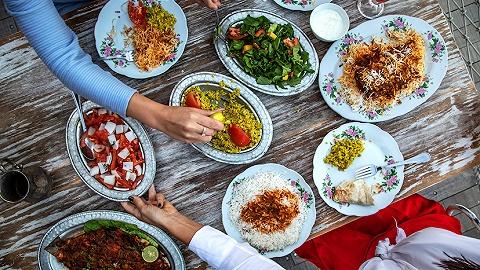 一周旅行指南 | 浦东香格里拉大酒店揭幕怡海日本料理,迪拜美食节即将开启