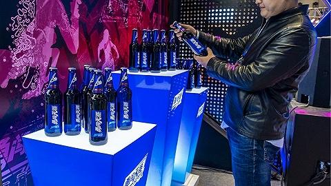 停运工厂且加码高端化,华润啤酒去年净利润增幅近六成