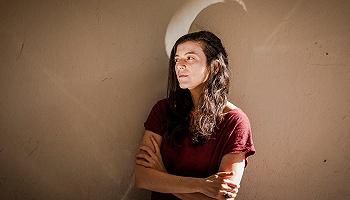 阿根廷作家莎曼塔·施維伯林:我們在小說中總是回避談論技術