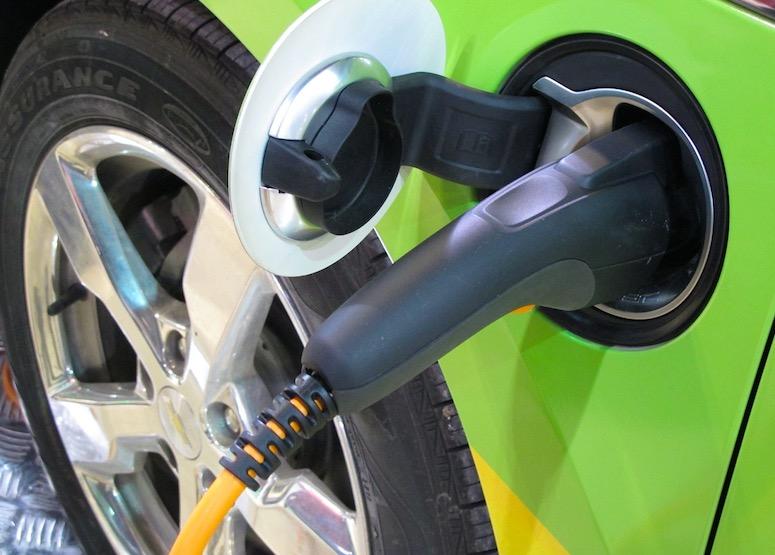 天富招商主管Q958337美国汽车工人联合会呼吁让电动汽车制造业回流