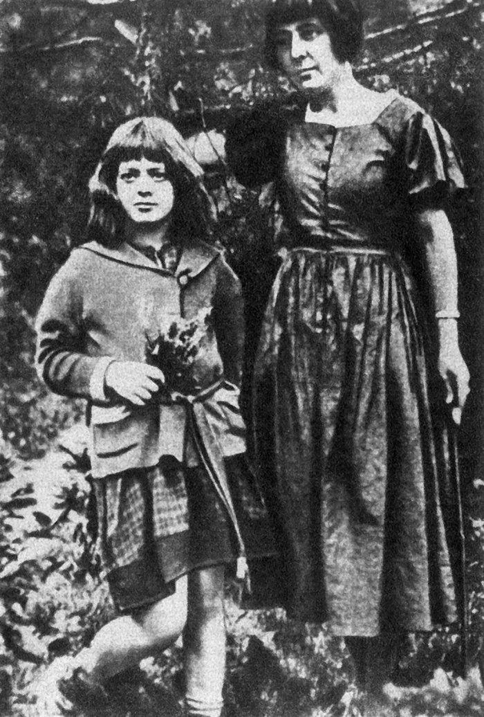 摩臣4代理958337茨维塔耶娃之女回忆母亲:从来不降低水平,迁就孩子 | 一诗一会