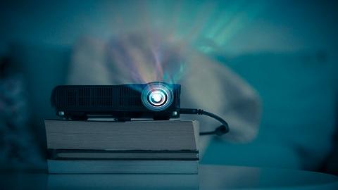 向投影仪老大收取五年2500万元专利使用费,光峰科技到底是什么来头?