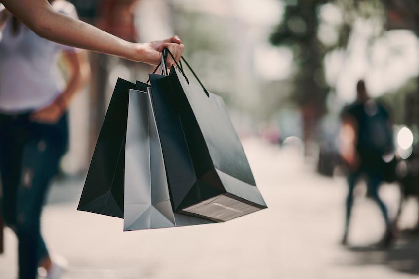 摩登5首页购物节拉动消费效果显著,上海5月线上线下消费超3700亿元