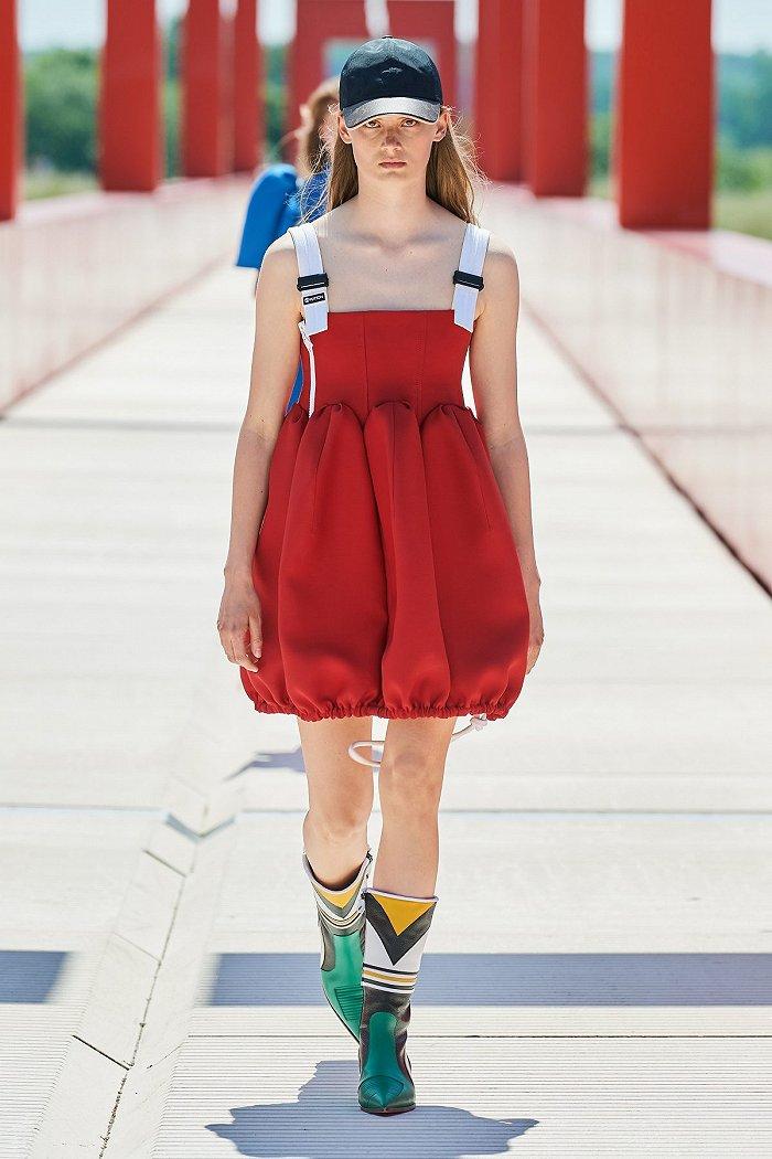 摩登4首页路易威登2022年早春女装秀未来科幻感十足,伯爵举办高级珠宝臻品展丨是日美好事物