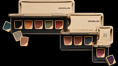 "Hourglass单色眼影创造无限DIY可能,Sacai和KAWS联名诠释""可穿戴艺术""丨是日美好事物"
