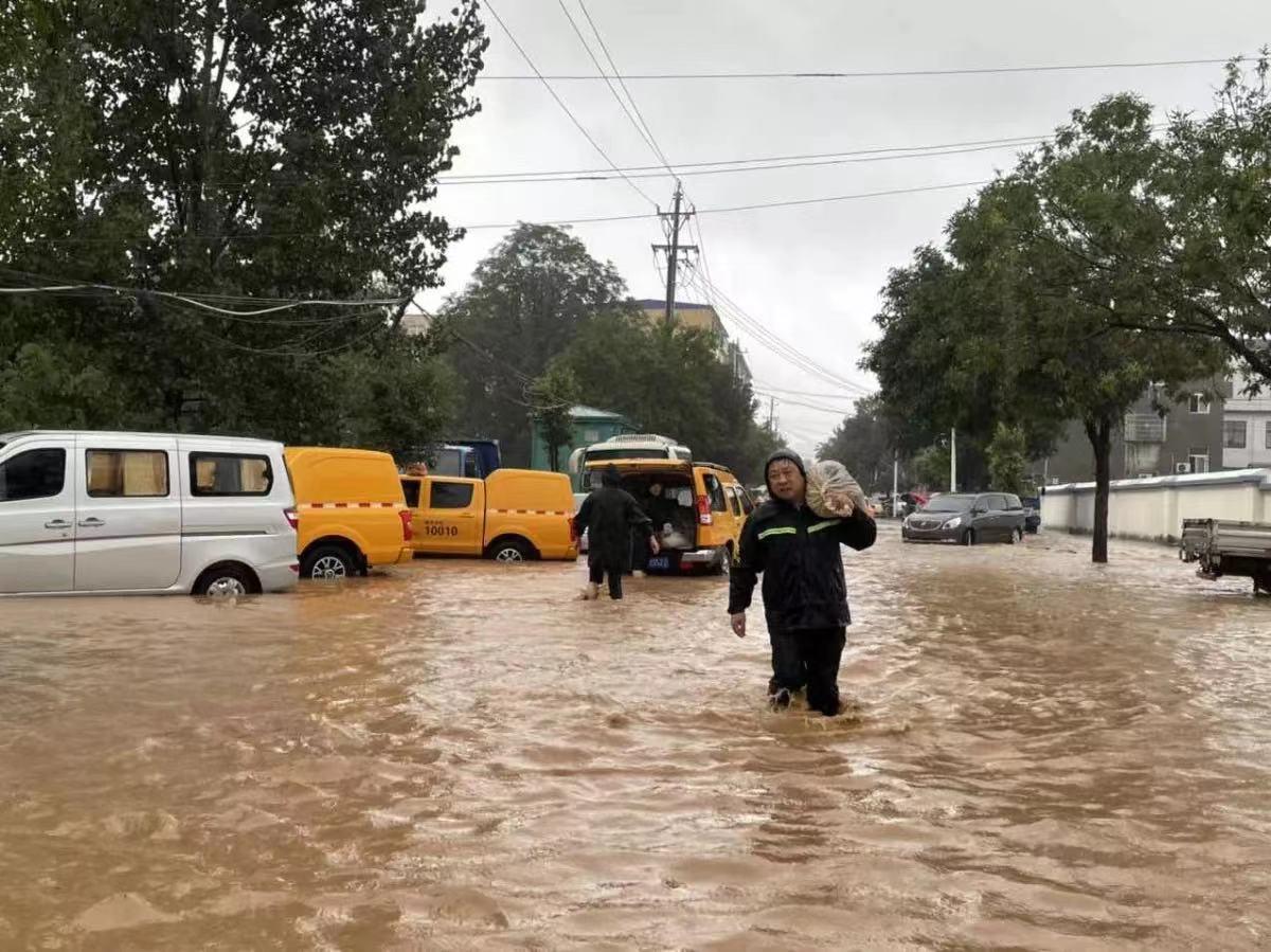 凤凰城平台河南部分地区通信设备受损,三大运营商正紧急抢修